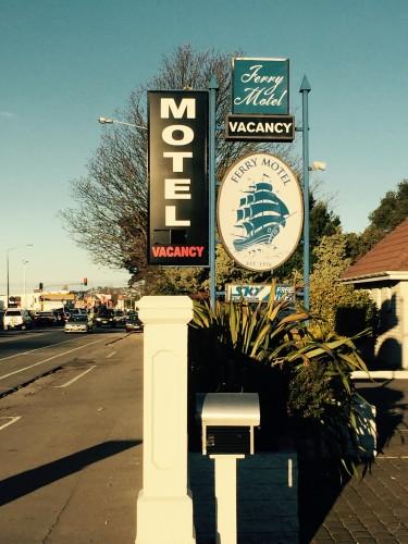 motelsign2